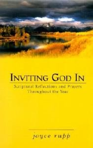 Inviting God In : Scriptural Reflections and Prayers Throughout the Year